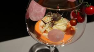 ずわい蟹とフルーツトマトのカッペリーニ